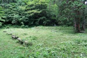 草刈りの終わった古賀比神社跡