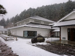 28-1-23雪の人形館