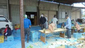 本竹切り、斜め切りを行い竹宵の基本型を作り出します