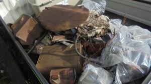 不法投棄物の一部